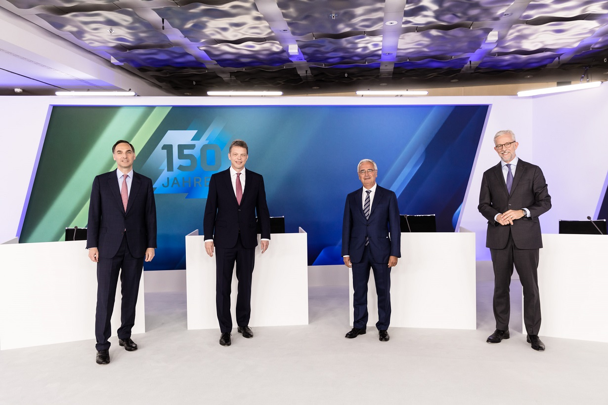 All-representants-of-Deutsche-Bank-at-the-2020-annual-general-meeting
